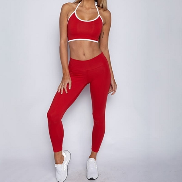 Tvådelat set i rött med snygga damkläder från Dressforsport Basic