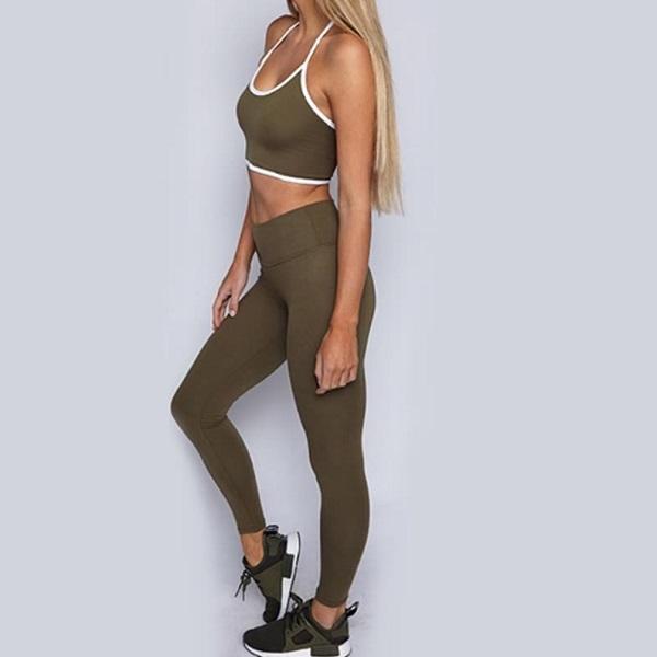 Bra och billigt set med träningskläder i dam från Dressforsport Basic. Snygga leggings och en skön topp i olive. Även plus size