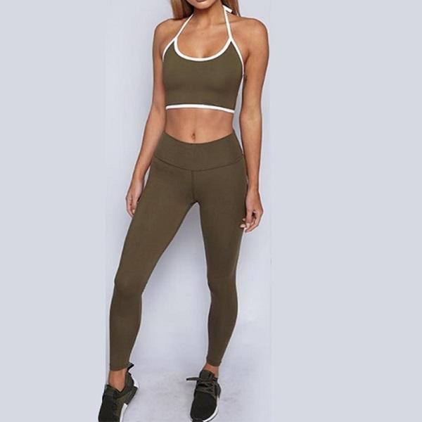 Snygga träningskläder dam från Dressforsport Basic. Tvådelat set med leggings och topp till ett mycket billigt pris