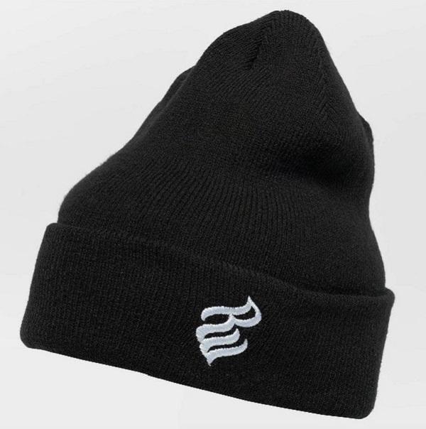 svart mössa som värmer bra för killar och tjejer från det amerikanska streetwear märket rocawear.