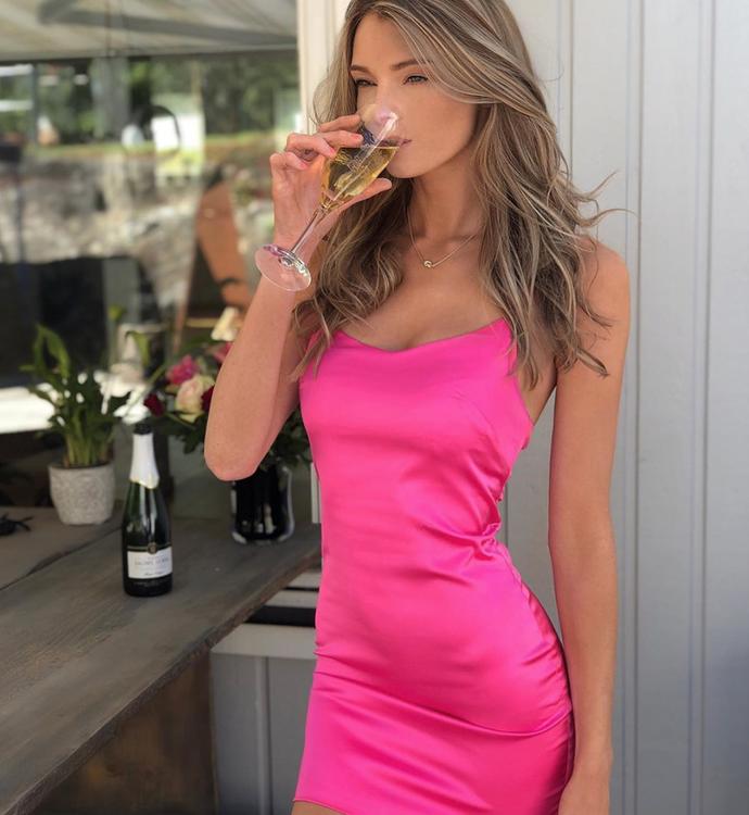 snygg rosa klänning för fest eller sommaren 2019