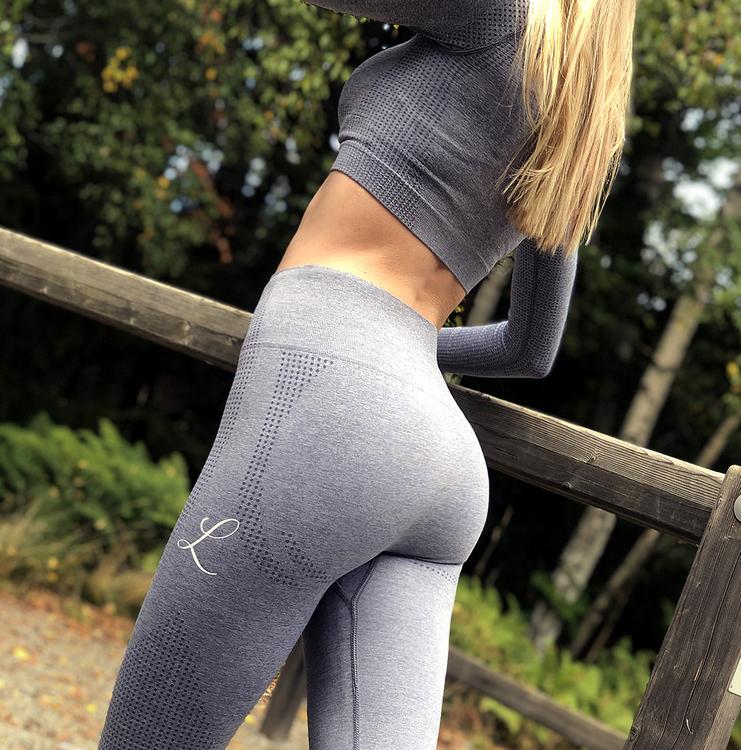 perfekta gym kläder för tjejer till billigt pris och bra kvalie