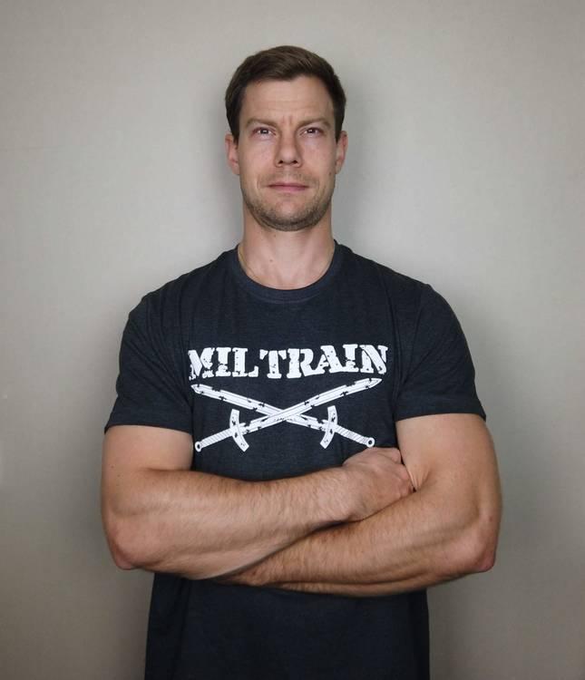 T-Shirt Miltrain Herrmodell