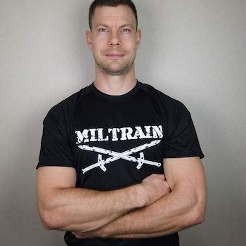 Fys T-Shirt Miltrain Herrmodell