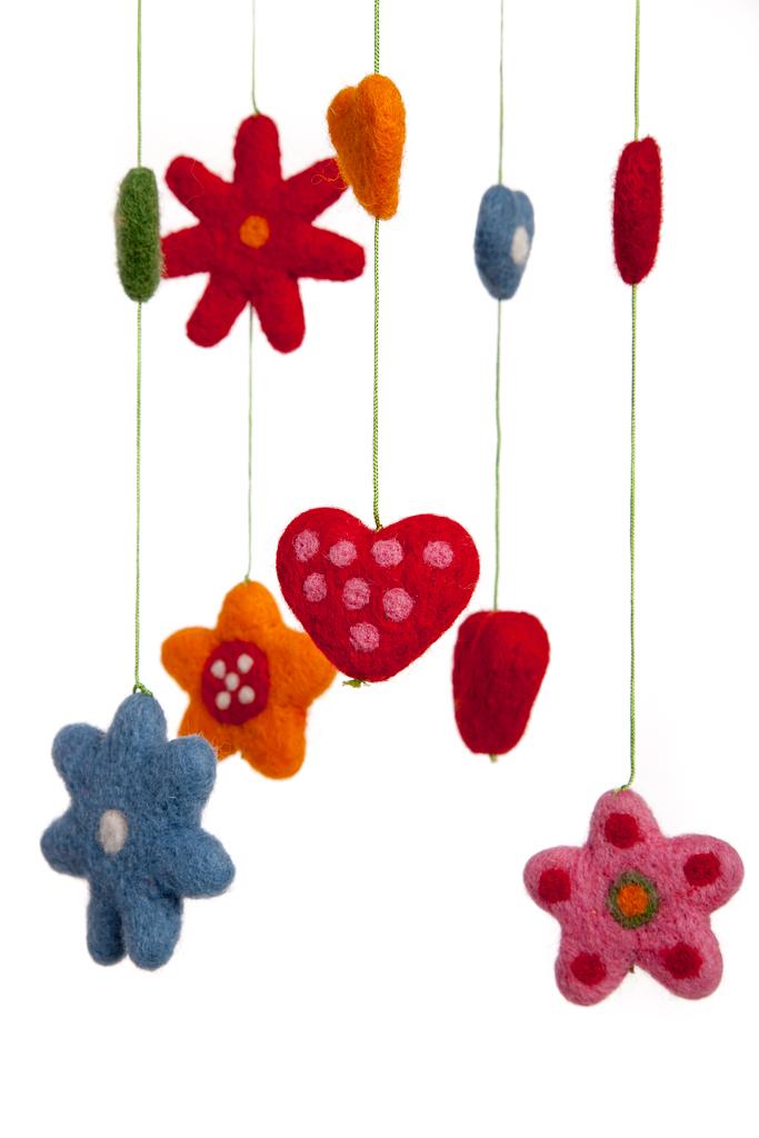 Klippan Yllefabrik Heart & Flowers babymobil