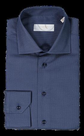 Mörkblå skjorta med små vita prickar