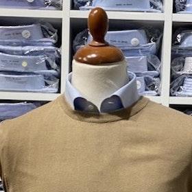 Rundhalsad tröja i Pima Cotton - beige