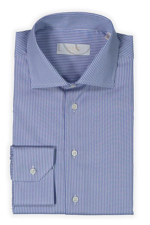 Blå skjorta med vita ränder