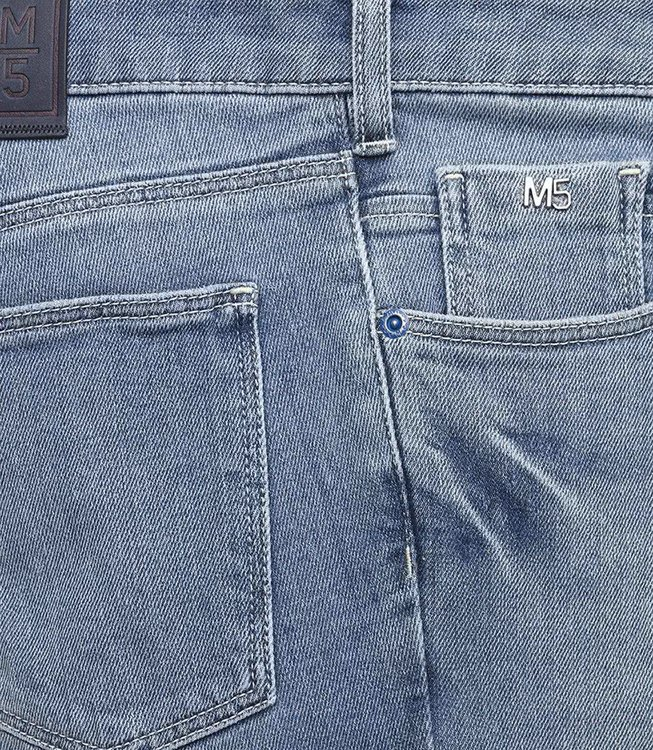 Ljusblå jeans i smal modell