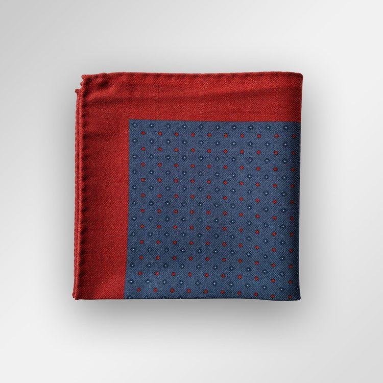 Röd/blå bröstnäsduk i siden