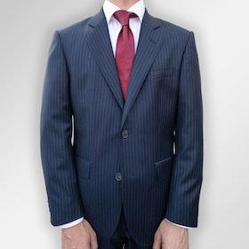 Blå pinstripe kostym