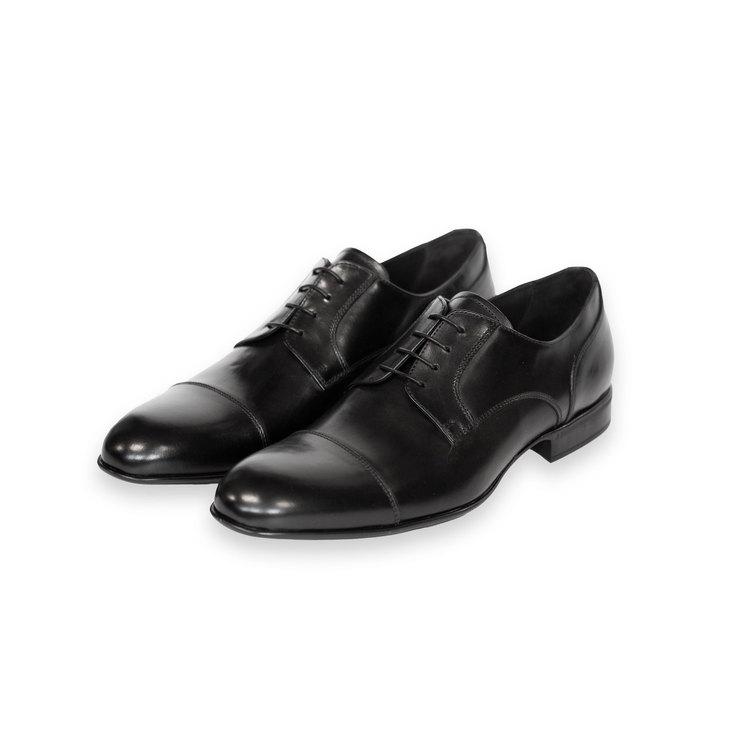 Svart sko, cap toe, italiensk kalvskinn