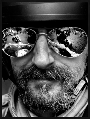 Heminredning fotografi Glasses on biker