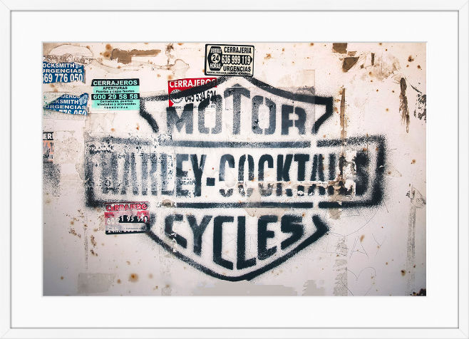 Harley on the wall  / Fotografi