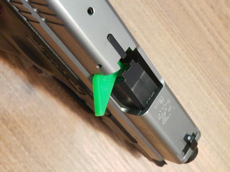 Falco - Gun Saftey flag