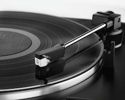 Audio-Technica AT-LP60BTBK Skivspelare, svart