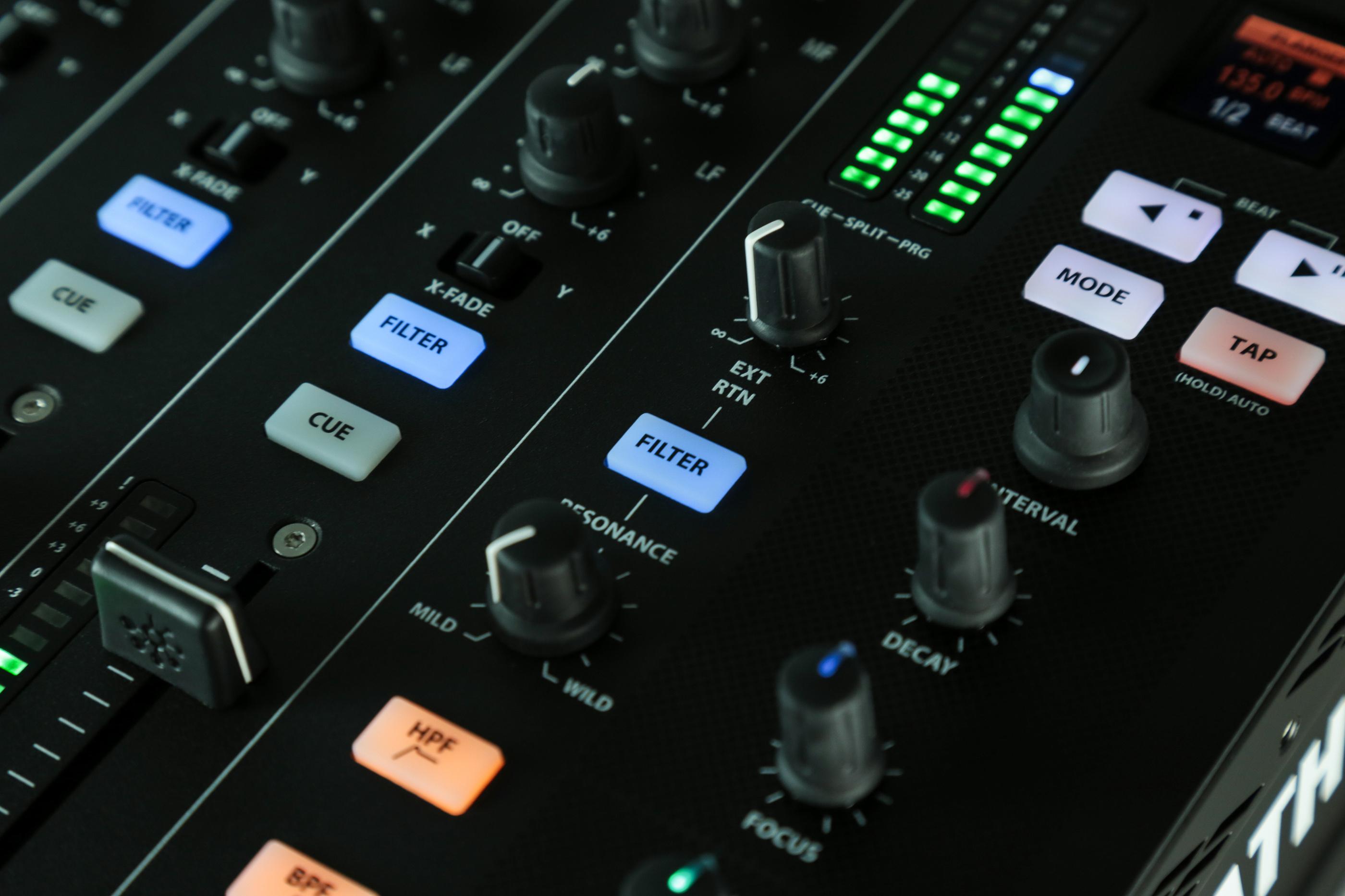 A&H XONE:PX5 Analog 4+1 DJ Mix int SoundCrd 20ch 24bit/96kHZ