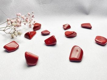Jaspis, röd trumlade