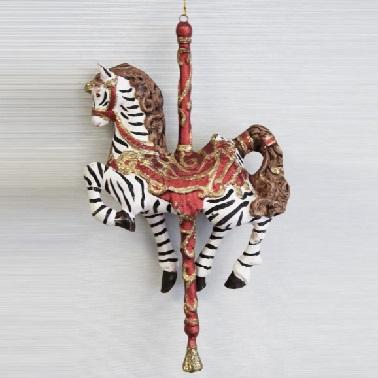 julgranshänge som ser ut som en tivoli zebra