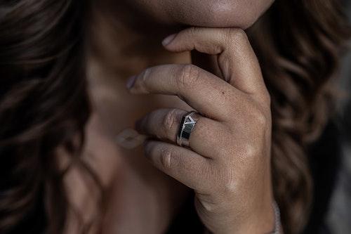 Vela Ring