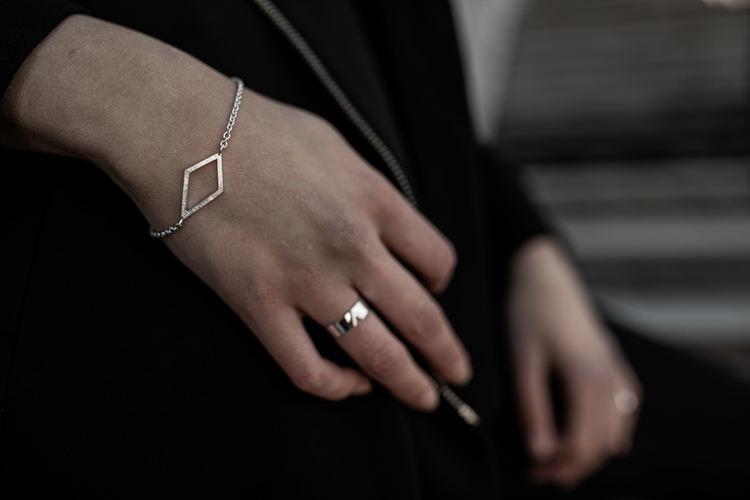 Pyx Armband