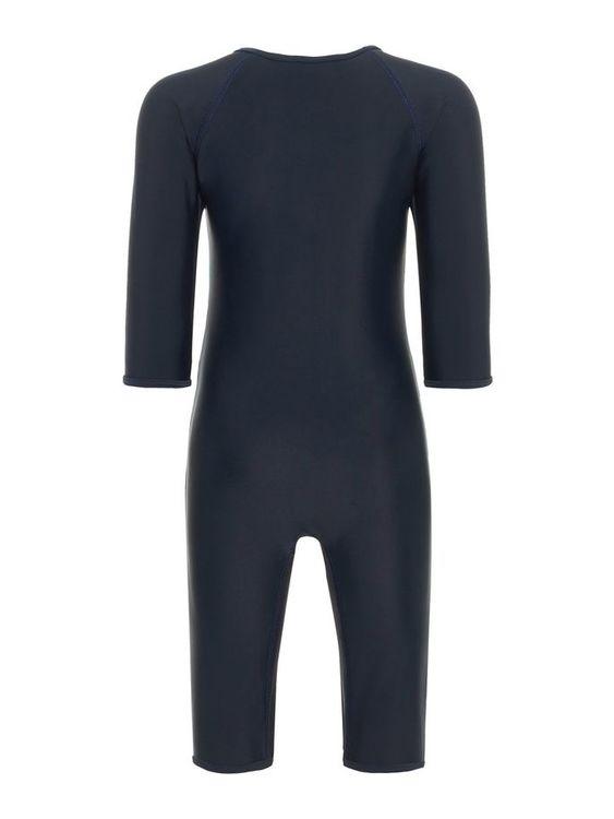 Söt 50+ UV-skyddande baddräkt med delfintryck fram från Name it med rund halsringning och blixtlåsstängning framtill. Material: 80% Polyamid, 20% Elastan  Färg: Marinblå