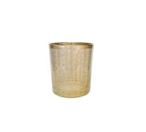 Så vacker ljuslykta i glas från Pipol´s Bazaar med ett härligt fiskbensmönster i guld. Perfekt för värmeljus eller dekoration. Insidan tål vatten, men inte utsidan. Mått: H 8 x Ø 7 cm  Färg: Guld