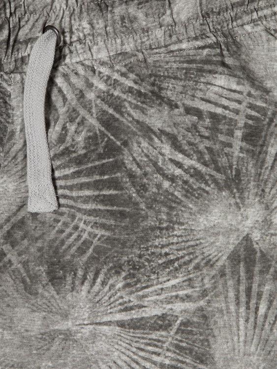 Bomullsshorts i ekologisk bomull från LMTD med heltäckade tryck, bred resår & dragsko som knyts. Material: 100% Ekologisk Bomull   Färg: Grå