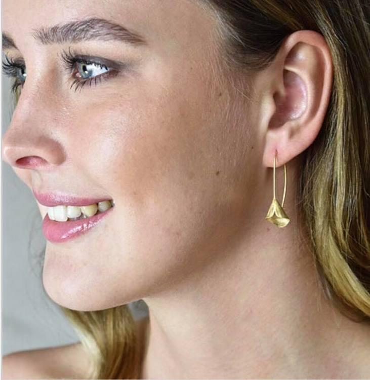 Unika handgjorda örhängen från Pold Design i 925 Sterling silver förgyllda med 18 Karats guld.