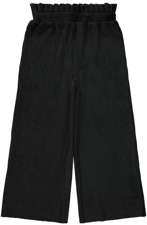 Coola och mjuka ribbade byxor i culottemodell som påminner om manchester från Name it med bred resår och volangkant i midjan. Material: 95% Polyester och 5% Elastan Matcha gärna med en tröja i samma m