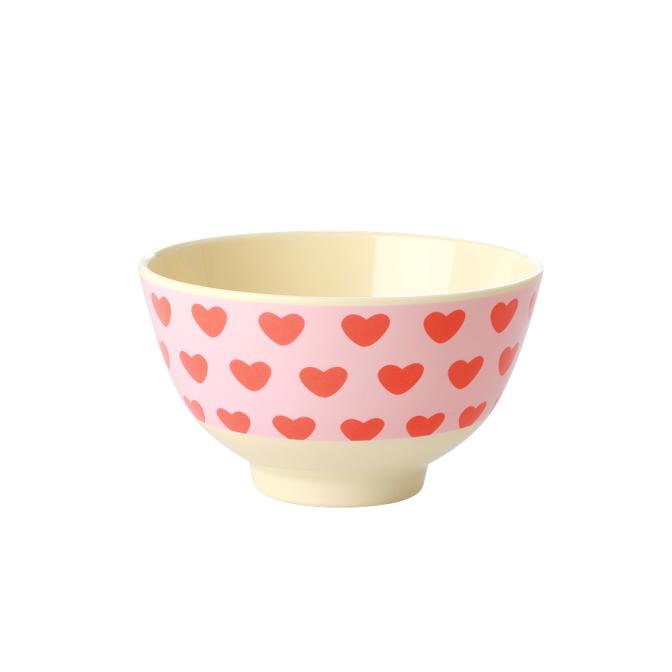 Liten skål i melamin från Rice som är perfekt både hemma, ute på picknicken eller i husvagnen. Fyll den med fil och flingor eller med godis. Tål maskindisk, ej micro. Godkänd för livsmedel. Mått: Ø 11