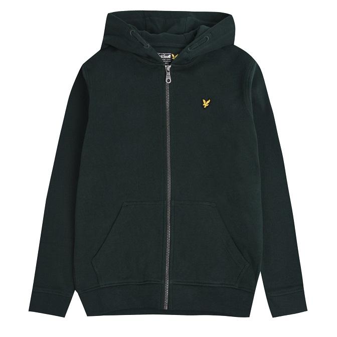 Snygg och mjuk hoodie med dragkedja fram från Lyle & Scott med broderad logga på bröstet, fickor i sidorna samt muddar i ärmslut och midjan. Material:  Färg: Svart
