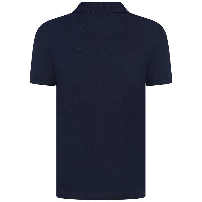 Snygg och stilren pikétröja från Lyle & Scott med korta ärmar och broderad logga på bröstet. Material: 100% Bomull  Färg: Navy