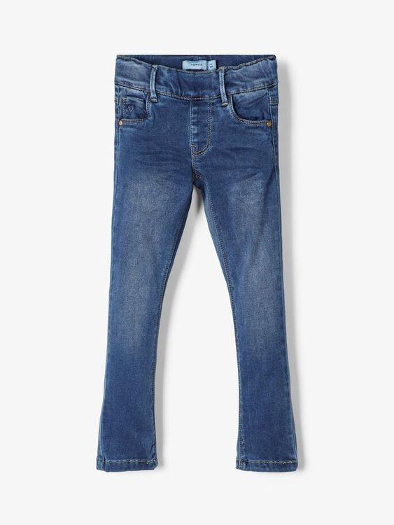 Fantastiskt mjuka jeansleggings från Name it med justerbar midja, bälteshällor samt fickor fram och bak. Material: 57% Lyocell, 31% Polyester, 10% Viskos och 2% Elastan  Färg: Medium Blå Denim