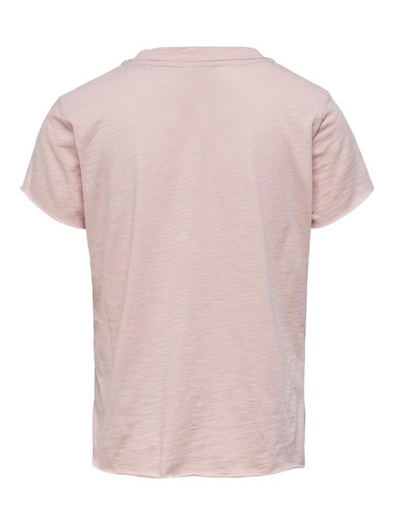 Cool T-shirt i ekologisk bomull från KIDS ONLY med rund hals, råa kanter i ärmslut och längst ned  samt ett läpptryck i rosé på vänster bröst. Material: 100% Ekologisk Bomull  Färg: Rosa  Ekologisk Bo