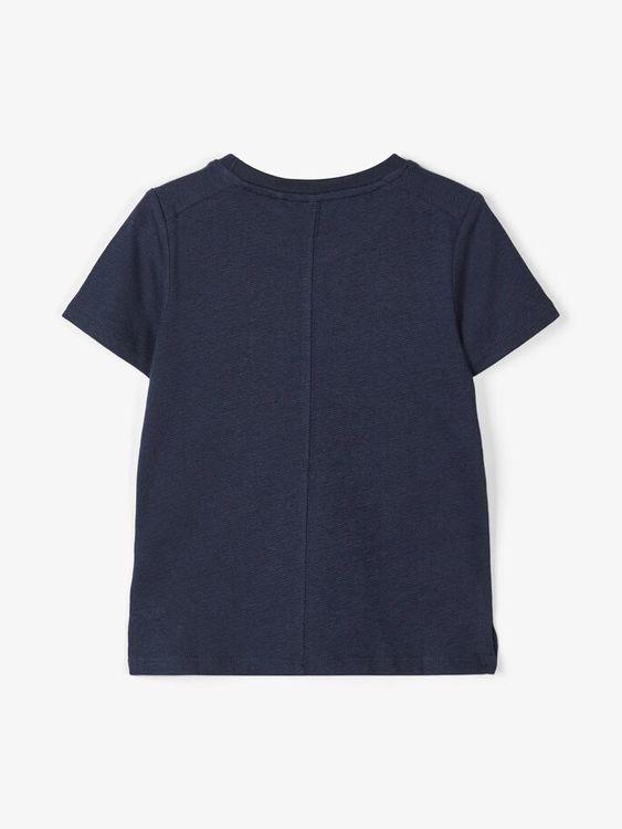 Stilren T-shirt i ekologisk bomull från Name it med rund hals och bröstficka. Material: 96% Ekologisk Bomull och 4% Elastan  Färg: Marinblå  Ekologisk Bomull odlas utan användning av skadliga bekämpni