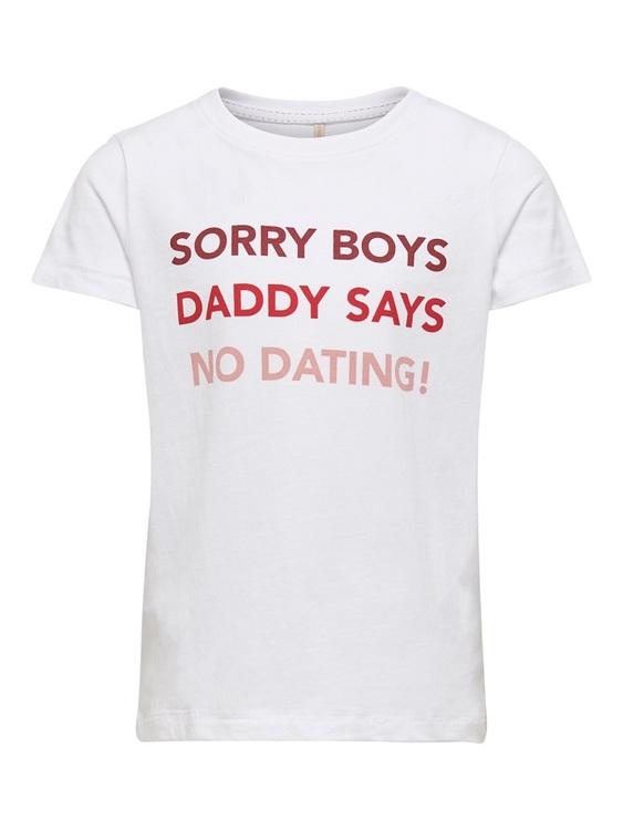 """Cool T-shirt i ekologisk bomull från KIDS ONLY med rund hals och texten """"Sorry boys daddy says no dating!""""Matcha den till en kjol eller ett par snygga jeans. Material: 100% Ekologisk Bomull  Färg: Vit"""
