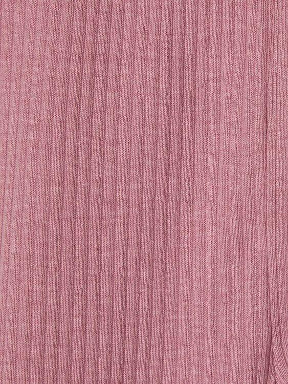Mjuka ribbade leggings i ekologisk bomull från Name it med resår i midjan. Material: 57% Ekologisk Bomull, 38% Modal och 5% Elastan  Färg: Gammelrosa  Ekologisk Bomull odlas utan användning av skadlig