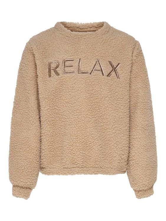 Gosig teddysydd tröja med en lös passform från KIDS ONLY. Tröjan har en rund hals, texten RELAX broderad över brösten och mudd i ärmsluten. Material: 100% Polyester  Färg: Sand