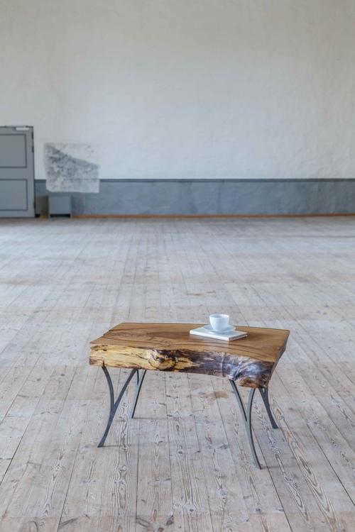 Soffbord i ek från visingsö