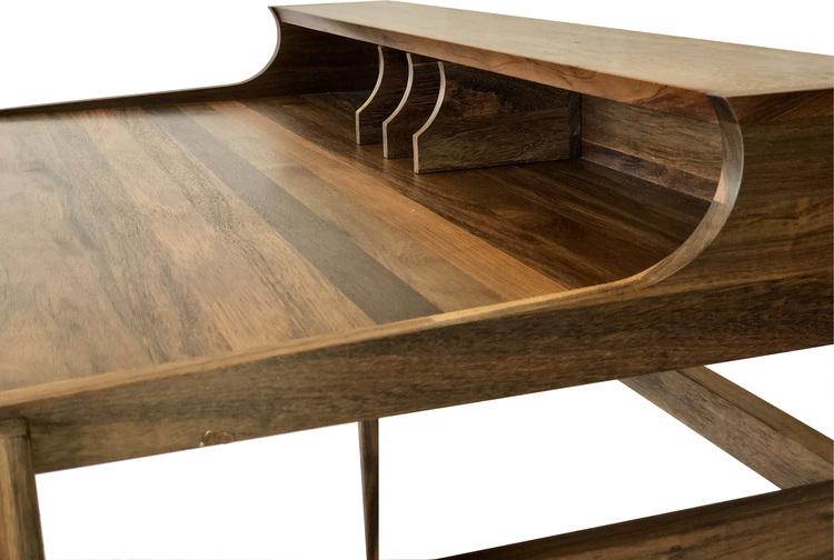 Unikt skrivbord i trä
