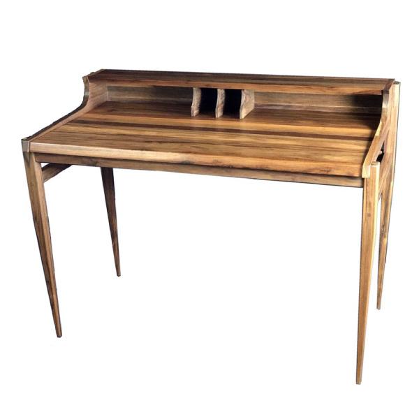 Skrivbord i valnöt
