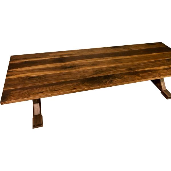 Stort rustikt plankbord för utomhus