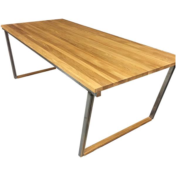 Matbord med stålställning
