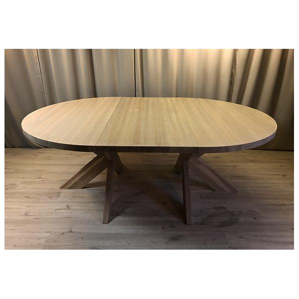 Runt bord med iläggsskiva