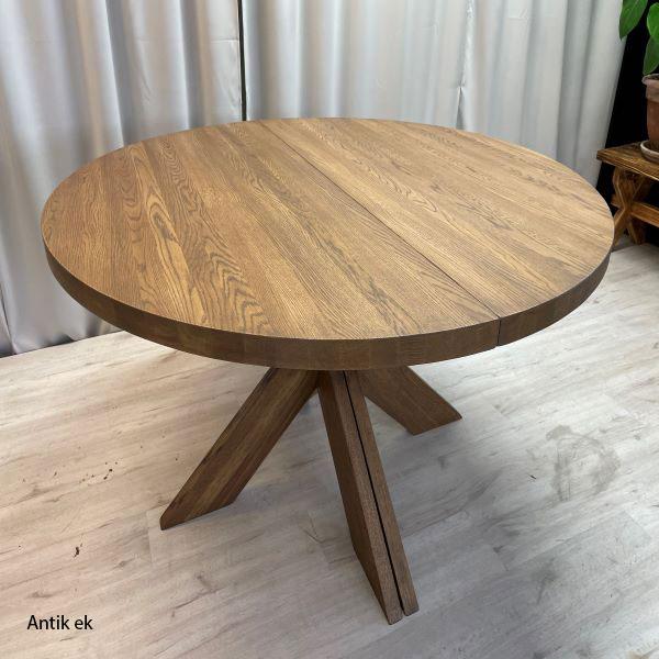 Runt matbord tillverkat i ek