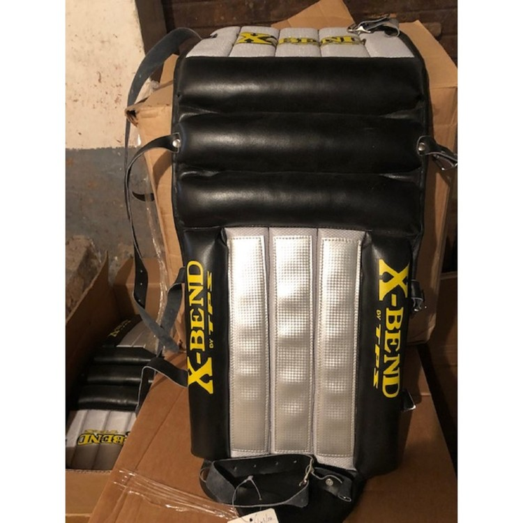 "TPS X-Bend bandy mv-benskydd 30"""