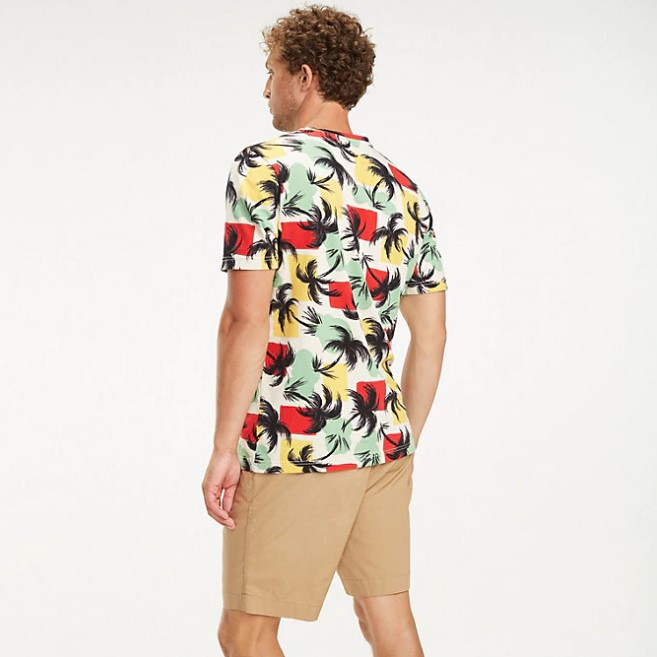 TOMMY HILFIGER - Palm All Over Relaxed Tee Mönstrad