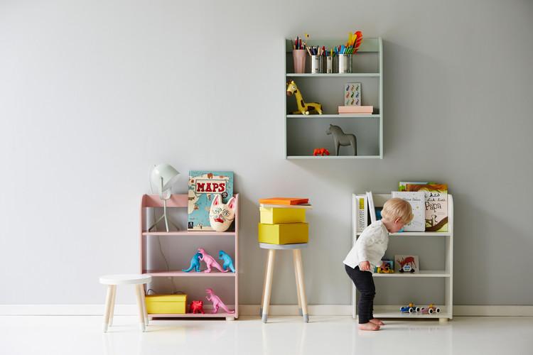 Hylla för vägg eller golv grå