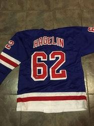 CARL HAGELIN - NEW YORK RANGERS SIGNERAD TRÖJA MED COA